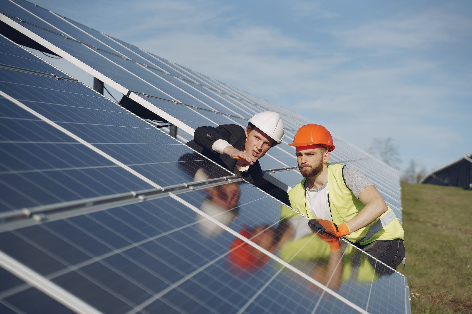 Kontrolle vor der Inbetriebnahme einer Photovoltaikanlage